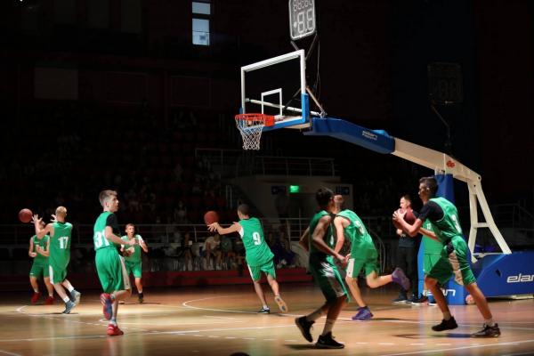 В Запорожье состоялось яркое спортивное шоу (ФОТО)