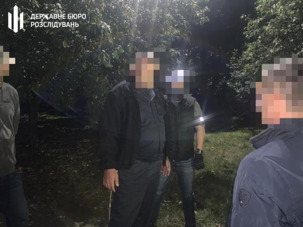 Запорожского полицейского задержали во время получения взятки (ФОТО)