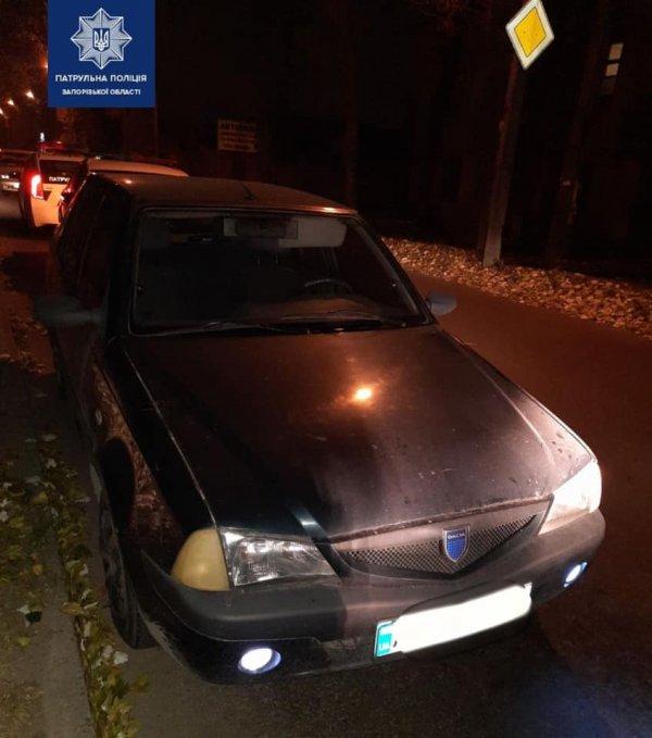 В Запорожье пьяный мужчина угнал автомобиль (ФОТО)
