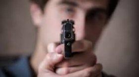 В Запорожской области мужчине угрожал пистолетом пьяный водитель