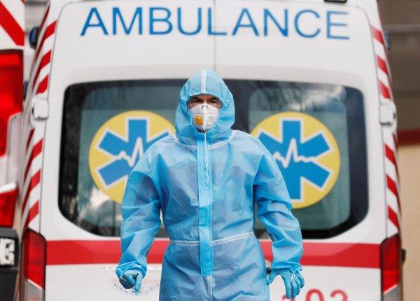 В Украине увеличилось количество пациентов с осложнениями от COVID-19