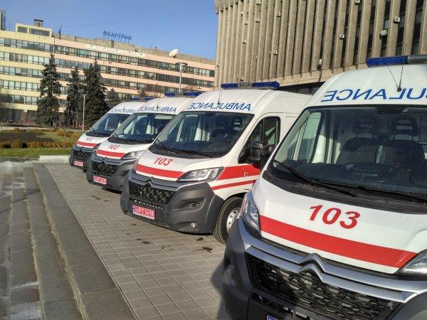 В Запорожской области столкнулись легковушка и мотоцикл