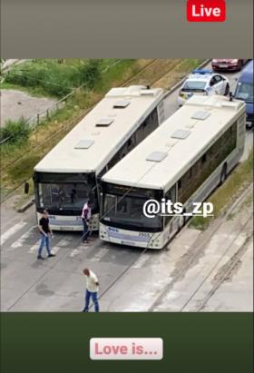 В Запорожье столкнулись два троллейбуса (ФОТО)