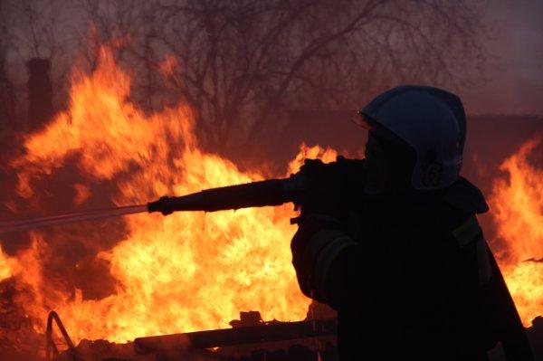 В Запорожской области загорелся сарай с соломой