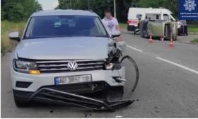В Запорожье перевернулся автомобиль с ребенком (ФОТО)