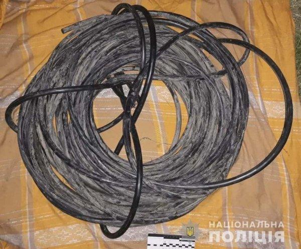 В Запорожье мужчина и женщина воровали кабель (ФОТО)