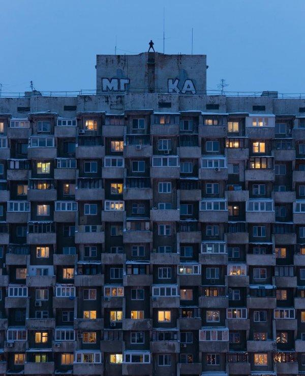 В Запорожской области женщина выпала из окна