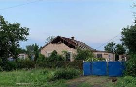 В Запорожской области ураган сорвал крышу дома (ФОТО)